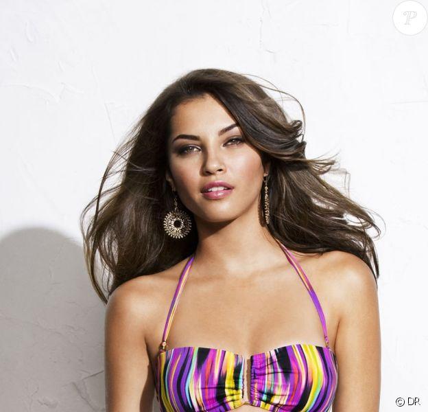 Tamiris Souza Freitas exhibe son corps parfait dans de petits bikinis. Un vrai délice