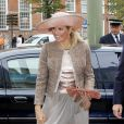 La princesse Maxima des Pays-Bas connaît un début de mois d'octobre chargé. Revenue d'une inauguration à Utrecht, elle a adopté un look beaucoup plus apprêté pour inaugurer les bâtiments rénovés du Conseil d'Etat, dont la reine Beatrix est la présidente, le 5 octobre à La Haye.