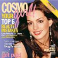 Mai 2004 : Anne Hathaway pose en couverture du magazine Cosmo Girl.