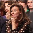Valérie Trierweilver ne manque pas une seconde du discours d'investiture de son compagnon François Hollande, à Paris, le 22 octobre 2011.