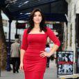 America Ferrera, tout de rouge vêtue, à Londres, le 31 octobre 2011. La star a rejoint le casting de la comédie musicale Chicago