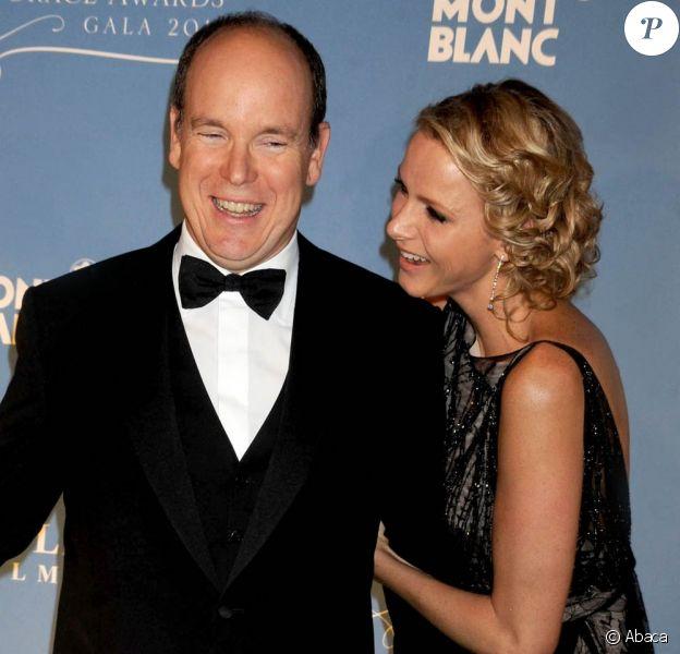 Visiblement complices et amoureux, le prince Albert et la princesse Charlene de Monaco étaient à New York mardi 1er novembre 2011 pour la remise des Princess Grace Awards de la Princess Grace Foundation-USA.