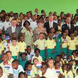 La reine Beatrix, le prince Willem-Alexander et la princesse Maxima des Pays-Bas, ici en visite de l'école Princesse Margriet de Willemstad, faisaient escale pour 48 heures à Curaçao, les 1er et 2 novembre 2011, dans le cadre de leur visite officielle de dix jours dans les Antilles.