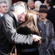 Jean-Marie Bigard et France, la fille de Robert Lamoureux lors des obsèques de Robert Lamoureux en l'église Notre-Dame de Boulogne-Billancourt le 4 novembre 2011