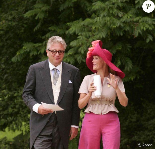 Le prince Laurent au mariage du prince Georg Friedrich de Prusse le 27 août 2011. Le 15 novembre, il réintégrera la famille royale pour la Fête du roi...