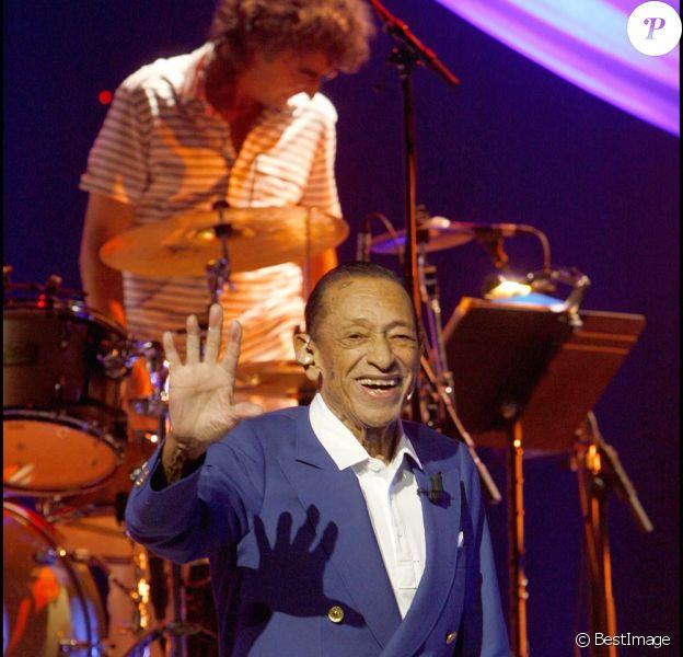 Henri Salvador en concert à Paris, le 21 décembre 2007.