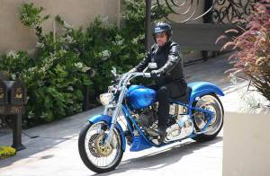 PHOTOS EXCLUSIVES : Johnny Hallyday chute de sa monture !