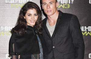 Katie Melua superbe au bras de son beau gosse James Toseland, entourés de bombes
