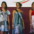 Océane Bichot (Miss Nouvelle-Calédonie), Claire Zengerlin (Miss Aquitaine) et Camille Mallea (Miss Corse) lors de la Nuit Miss France, à Mexico. Le 10 novembre 2011