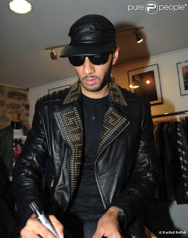 Swizz Beatz à la boutique Auguste à Paris (Bastille)  pour la présentation et la dédicace de la chaussure que le producteur a  dessinée pour la marque Reebok. Le 17 novembre 2011
