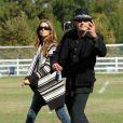 Charlie Sheen et Denise Richards pour le bien de leurs filles Sam et Lola, à Calabasas, le 19 novembre 2011.
