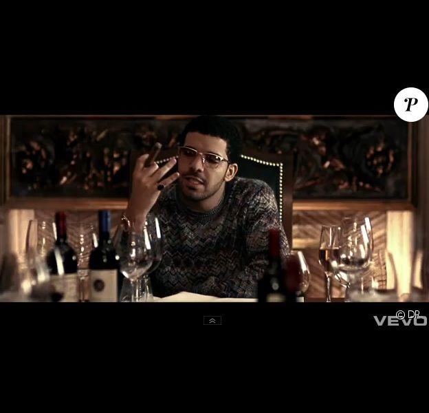 Drake dans son clip de Headlines, moulé dans un sweat Missoni