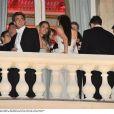 Ambiance au Bal des Débutantes le 26 novembre 2011 à Paris, les débutants sont sur le balcon pour fumer...