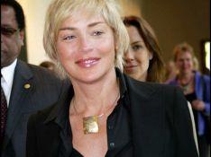 PHOTOS : Sharon Stone court le monde, contre le Sida