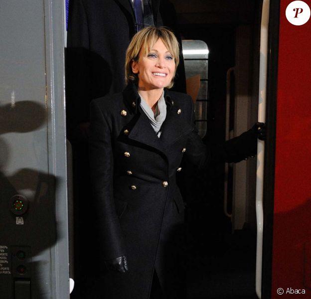 Patricia Kaas accueille les premiers voyageurs de la ligne Paris-Berlin-Moscou, à la gare de l'Est à Paris, le 13 décembre 2011.