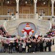 Charlene et Albert de Monaco lors du Noël du Rocher ont ravi les enfants le 14 décembre 2011