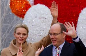 Charlene et Albert de Monaco : En Mère et Père Noël pour une journée magique