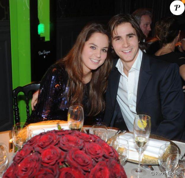 Anouchka Delon et Julien lors du dîner de l'Avant chez Castel, le 14 décembre 2011.