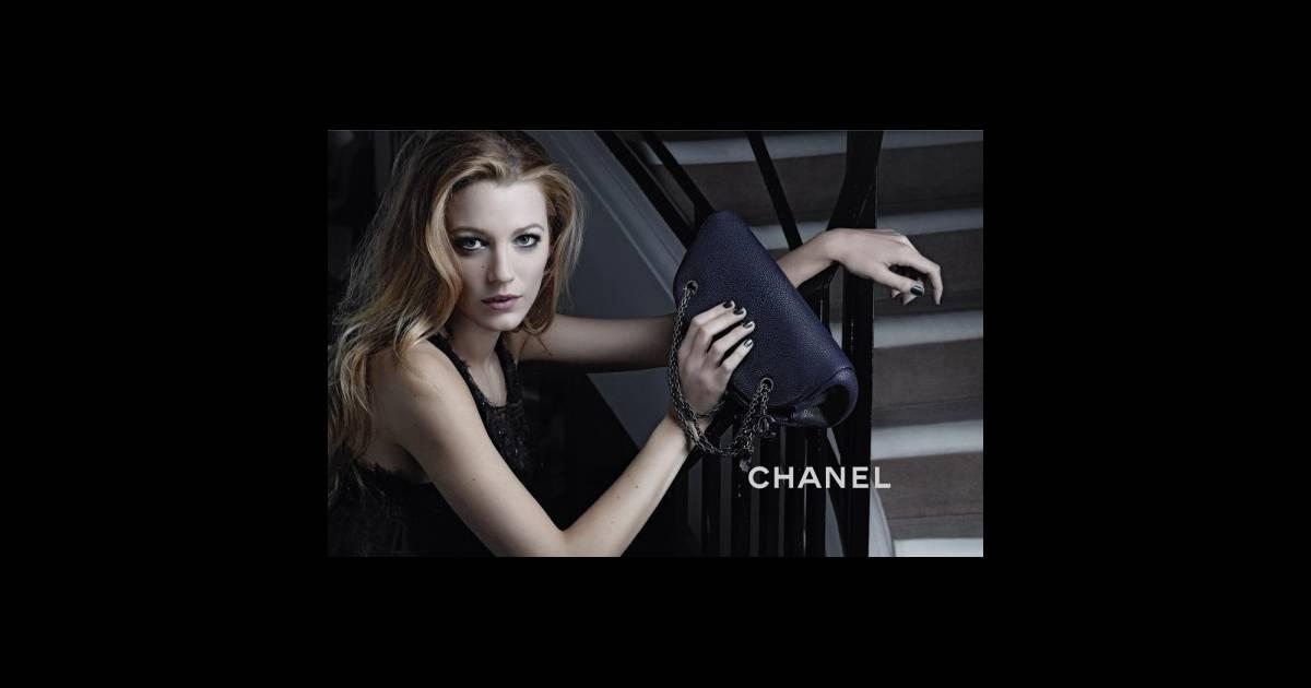 blake lively g rie des sacs mademoiselle de chanel purepeople. Black Bedroom Furniture Sets. Home Design Ideas