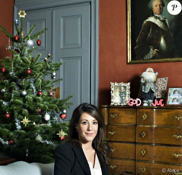 La princesse Marie de Danemark, 34 ans et enceinte de 7 mois de son deuxième enfant, posait le 6 décembre 2011 dans sa résidence de Mögeltönder, le château de Schackenborg, à l'occasion d'une interview pour le Jyllands-Posten.