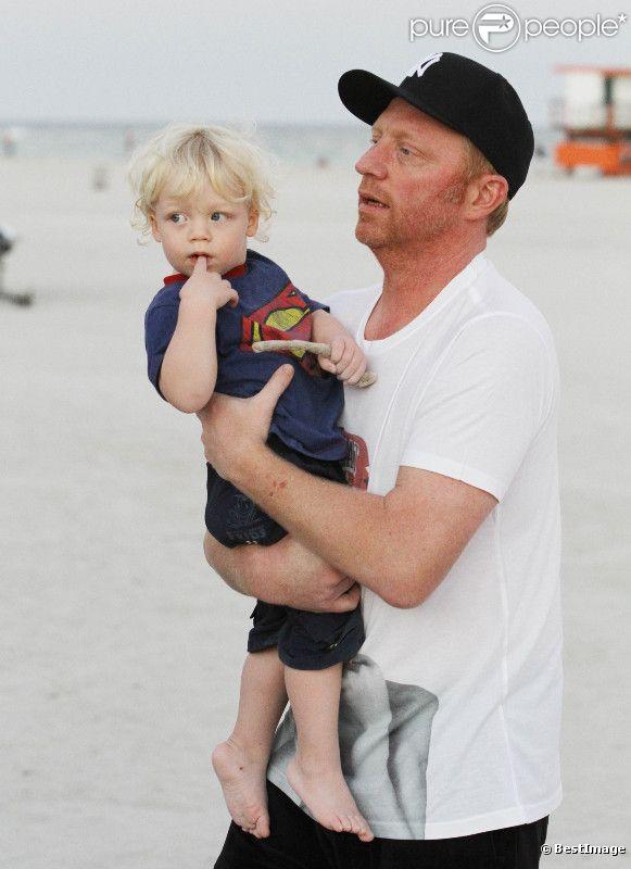 Boris Becker et son petit Amadeus à Miami le 31 décembre 2011