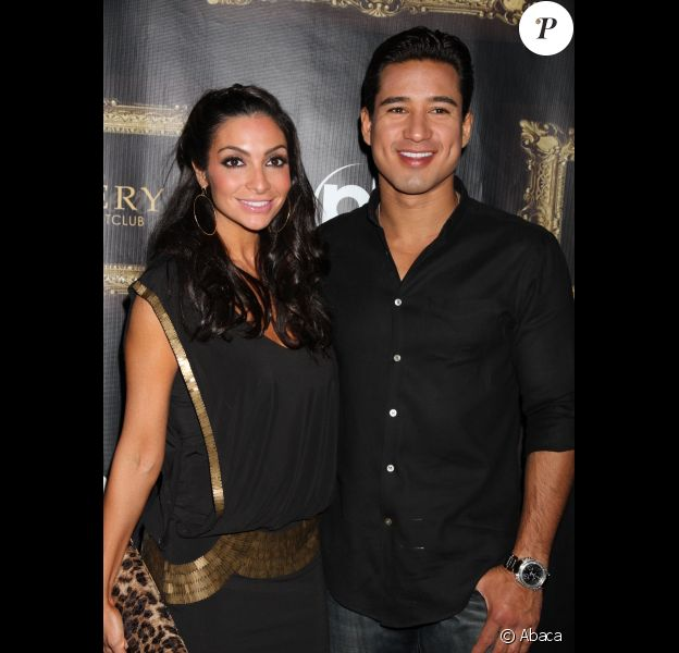 Mario Lopez et sa girlfriend Courtney Mazza en octobre 2011 à Las Vegas