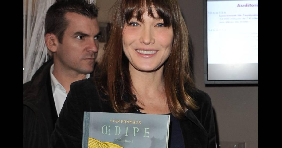Carla bruni sarkozy au salon du livre pour soutenir l for Salon du divorce