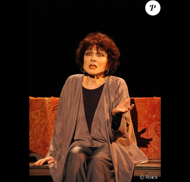 Judith Magre sur scène dans Rose, à Paris le 9 janvier 2012.