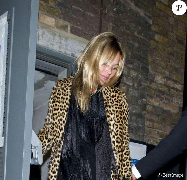 Kate Moss à la sortie d'un club de Londres le 18 janvier 2012