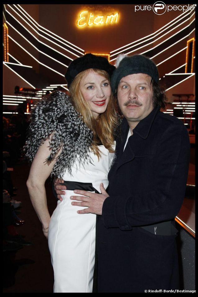 julie depardieu et philippe katerine duo irr sistible au d fil etam lingerie le 23 janvier. Black Bedroom Furniture Sets. Home Design Ideas