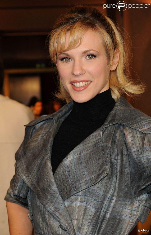 La chanteuse Lorie était au premier rang du défilé Eric Tibusch à Paris, le 23 janvier 2012.