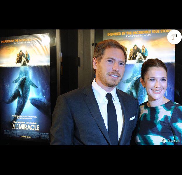Drew Barrymore et son fiancé Will Kopelman à l'avant-première de Miracle en Alaska, le 25 janvier 2012 à Washington.