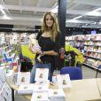 Jade Foret, fiancée d'Arnaud Lagardère, au Carrefour Planet Bierges, le 11 janvier 2012 à Bruxelles. Elle y présentait son livre de premiers secours à prodiguer aux enfants, comment soigner mon enfant dans l'urgence ?