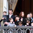 La princesse Mary en famille lors du jubilé des 40 ans de règne de Margrethe II de Danemark, le 15 janvier 2012.   La princesse Mary célébrait le 5 février 2012 son 40e anniversaire. La Maison royale a publié à cette occasion quatre nouveaux portraits officiels.