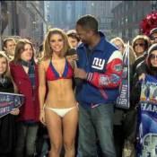 Maria Menounos : la présentatrice sexy perd un pari et se déshabille en direct