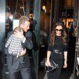 David, Victoria Beckham et Harper à la sortie d'un restaurant à New York en marge de la Fashion Week le 12 février 2012