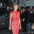 La radieuse Stacy Keibler, venue en célibataire, assistait au défilé Marchesa au Plaza Hotel. New York, le 15 février 2012.