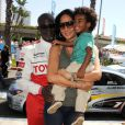 Dijimon Hounsou, Kimora Lee Simmons et leur fils Kenzo en avril 2011