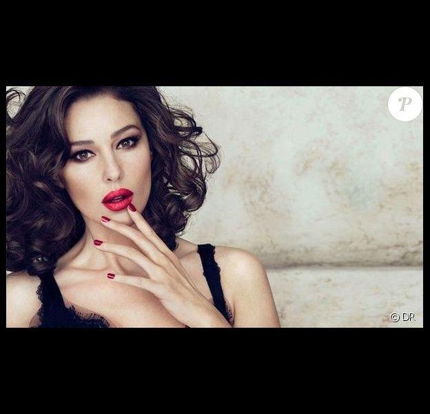Monica Bellucci lance une ligne de rouges à lèvres avec Dolce & Gabbana