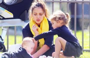 Jessica Alba, tendre et divine, fait le show avec ses filles superbes