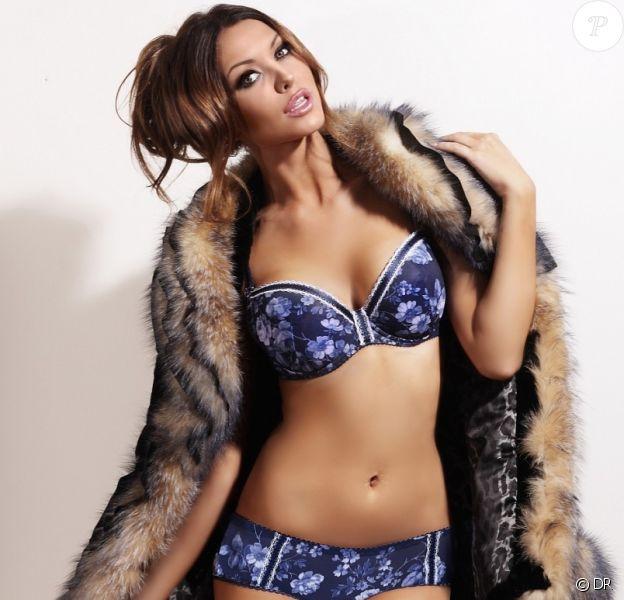 Une veste en épaisse fourrure et de la lingerie fine Hamana : voilà comment la sexy Monika Pietrasinska s'habille.