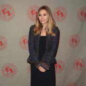Elizabeth Olsen : Souriante et charmeuse devant T.R. Knight