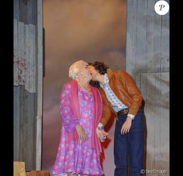 Line Renaud et Thomas Soliveres lors de la générale de la pièce Harold et Maude au Théâtre Antoine à Paris (Xe) le 5 mars 20122
