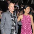 Woody Harrelson et sa femme Laura Louise lors de l'avant-première du film Hunger Games le 12 mars 2012 au Nokia Theatre L.A Live de Los Angeles