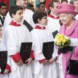 La reine en rose, couleur qu'elle portait déjà à Leicester pour le lancement de la tournée royale de son jubilé de diamant une semaine plus tôt, pour le Commonwealth Day 2012.   Lundi 12 mars 2012 avaient lieu en l'abbaye de Westminster les célébrations annuelles du Commonwealth Day, en présence de la reine Elizabeth II, de son mari le duc d'Edimbourg, du prince Charles, de sa femme la duchesse Camilla Parker Bowles, du comte et de la comtesse de Wessex ou encore du duc de Gloucester.