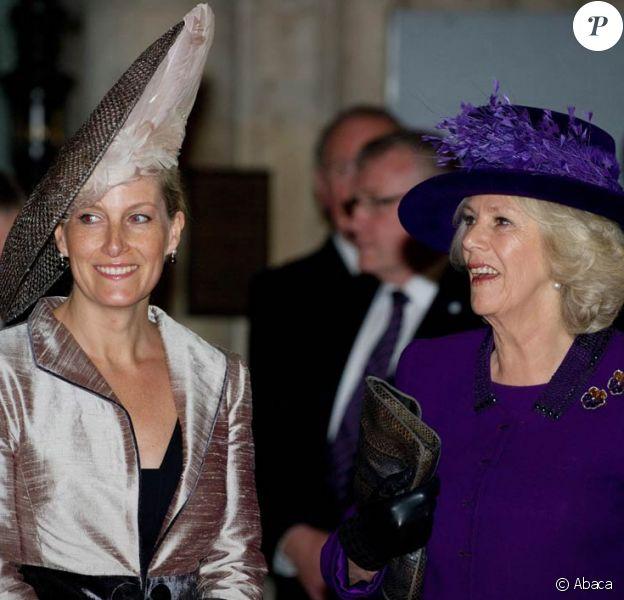 Sophie, comtesse de Wessex et Camilla Parker Bowles à Westminster lors du Commonwealth Day, le 12 mars 2012. Lundi 12 mars 2012 avaient lieu en l'abbaye de Westminster les célébrations annuelles du Commonwealth Day, en présence de la reine Elizabeth II, de son mari le duc d'Edimbourg, du prince Charles, de sa femme la duchesse Camilla Parker Bowles, du comte et de la comtesse de Wessex ou encore du duc de Gloucester.