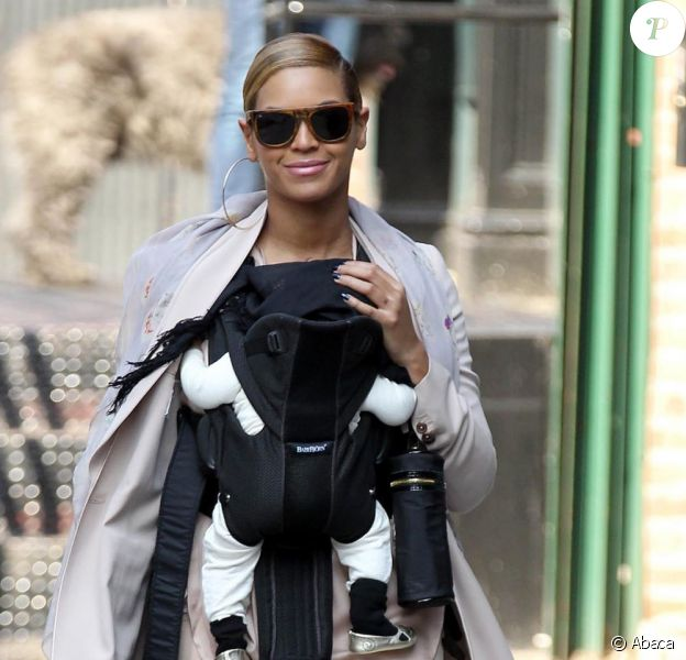 Beyoncé dans les rues de New York avec sa fille Blue Ivy le 13 mars 2012