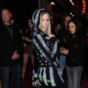 Avril Lavigne, businesswoman hors pair, devant une Taylor Momsen blafarde