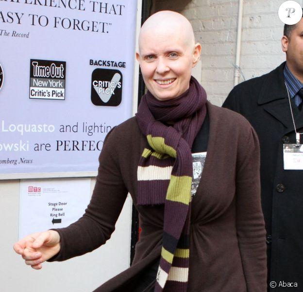 Cynthia Nixon toujours chauve à Broadway, New York, le 14 mars 2012