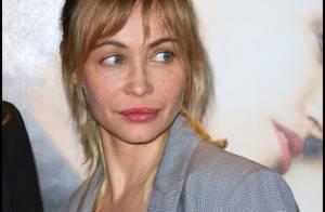 Emmanuelle Béart : Bye Bye Blondie et bonjour le sein de la jeune Clara Ponsot